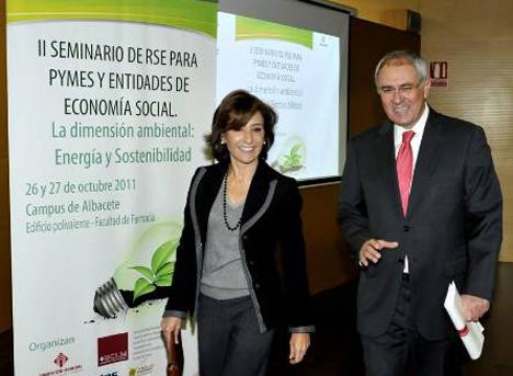 Marta García de la calzada y Decano UCLM
