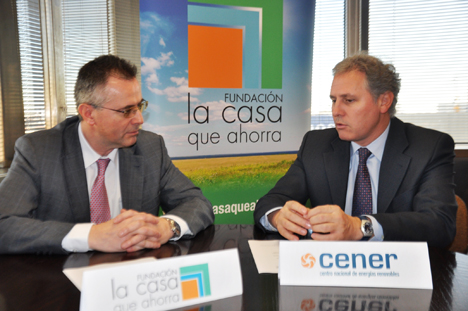 Francisco Javier Fernández Campal, presidente de la FLCQA, y José Javier Armendariz Quel, Director General de CENER