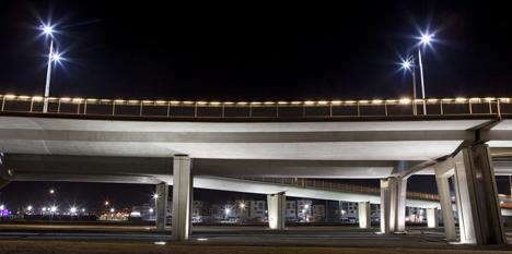 Luminarias Iberia Led iluminado el puente Moulay de Marruecos