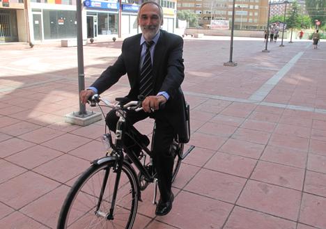 Paseo con la bicicleta eléctrica