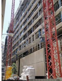 Edificio en construcción de la calle Gran Via
