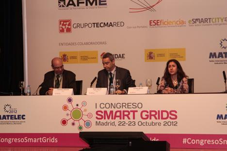 De izquierda a derecha:Francisco Valverde, de ANAE; Óscar Querol, Director Técnico de AFME, y Carmen Martin, de AENOR