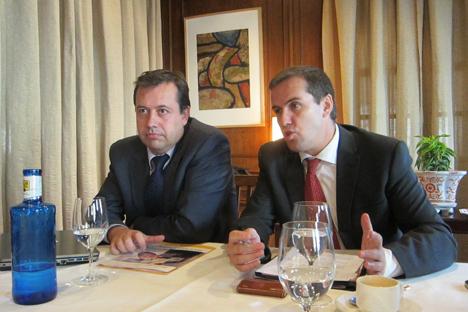 A la izquierda el Director de A3E, Antonio López-Nava, junto con Miguel Sayagués, presidente de A3E