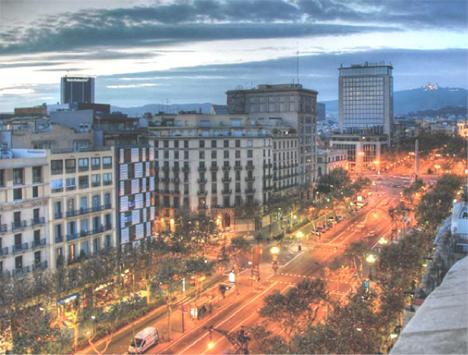 Calle de Barcelona iluminada