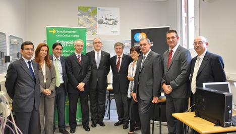 Participantes en el acuerdo entre Schneider Electric y el Institut Químic de Sarrià.
