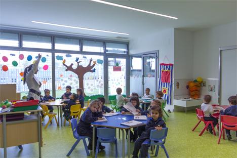 Otra aula iluminada con la tecnología de Philips