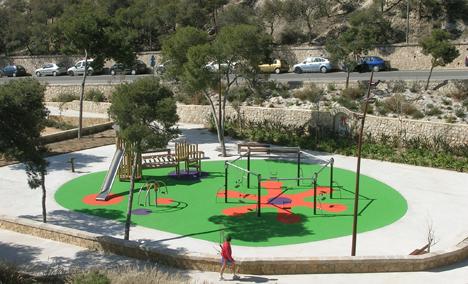 Iluminación de Schréder - Socelec en la zona de juegos del parque Monte Tossal en Alicante