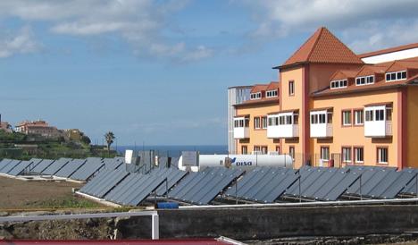 Cubierta captadores solares Vaillant para la Fudación Hogar Santa Rita