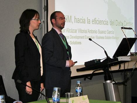 Pilar Alcázar, Business Development Manager y Antonio Suárez, Business Solution Manager de Bjumper Solutions