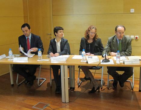 De izquierda a derecha, David Molina, ANFEL, Margarita Puente, ESCAN S.L; Cristina Cañada, IDAE, Fernando García, IDAE