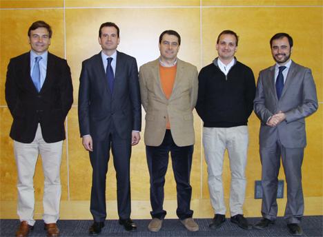 Nueva Junta Directiva de la AEE Spain. De izquierda a derecha: Antonio Miranda (Vicepresidente), Rafael Herrero (Presidente), Angel Llopis (Tesorero), Marc Masó (Vocal) y Andrés Ortuño (Expresidente)