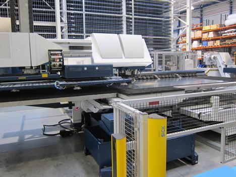Otra de la maquinaria de ThyssenKrupp trabajando