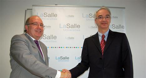 Miquel Àngel Barrabeig, Director General de LaSalle Technova, y José Emilio Serra, Customer Satisfaction, Quality and Business Development VP de Schneider Electric