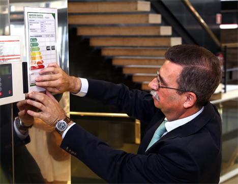 El Director General de Industria, Energía y Minas Carlos López Jimeno