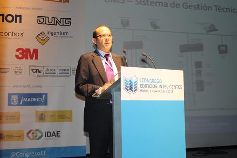 Javier Orellana Sanz de Schneider Electric durante el I Congreso de Edificios Inteligentes