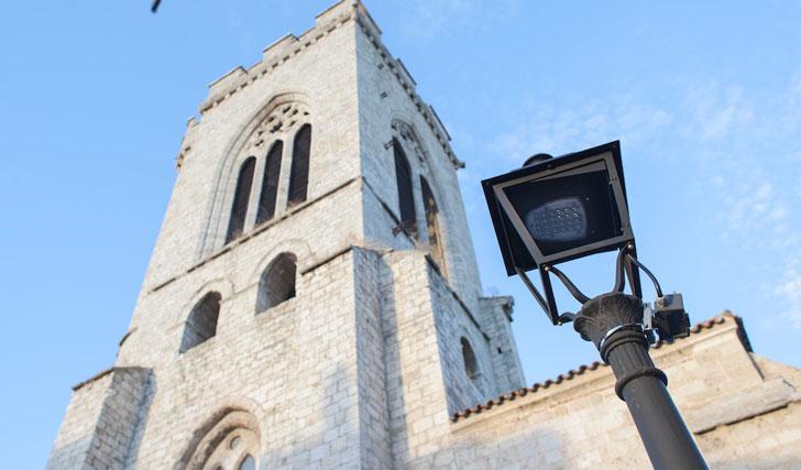 Iluminación en iglesia