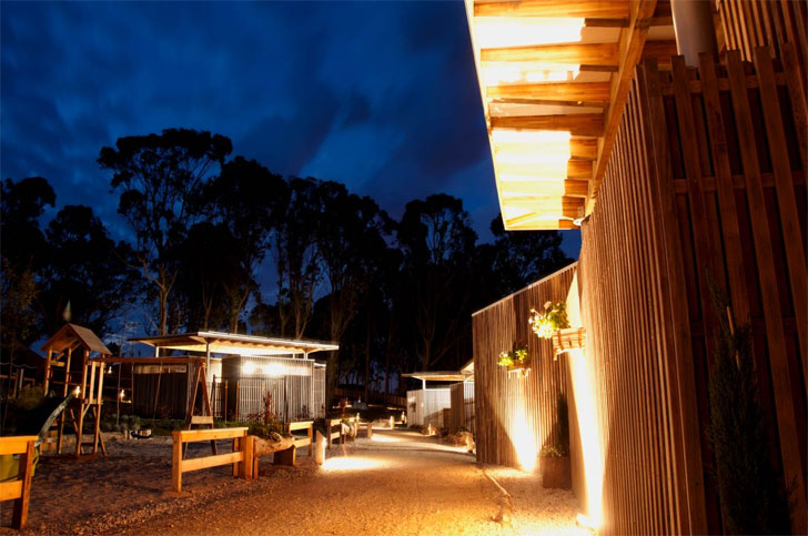 Camping de Ons. Primer camping autosostenible de Galicia. Iluminación led.