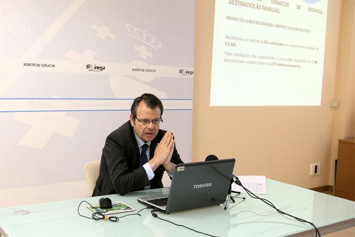 El director general de Energía y Minas, Ángel Bernardo Tahoces, presenta las convocatorias públicas de Inega para solicitar ayudas a la eficiencia energética y las renovables.