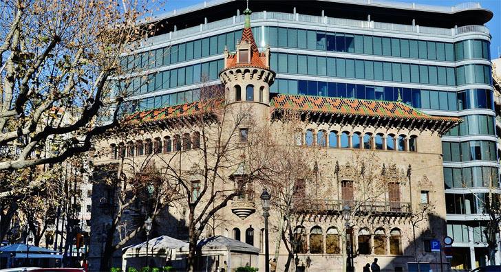 Edificio Can Serra, sede de la Diputación de Barcelona. La Diputación aprueba un programa de lucha contra la pobreza energética en 200 municipios.