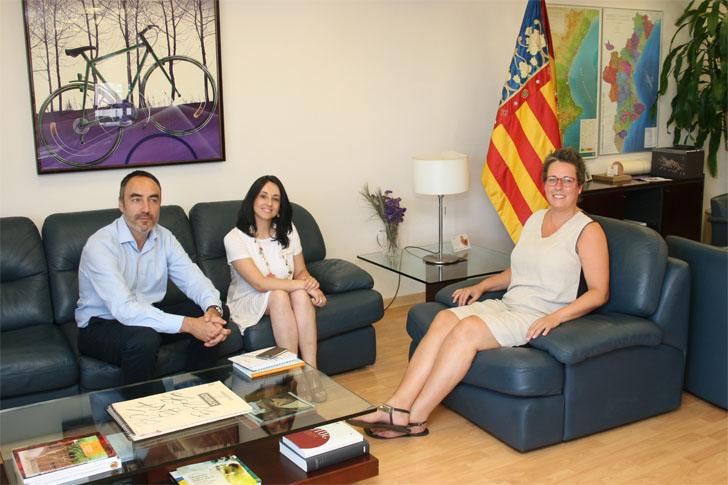 Reunión entre Comunidad Valenciana, IVE y Servef. Programa de cursos sobre rehabilitacion de edificios.