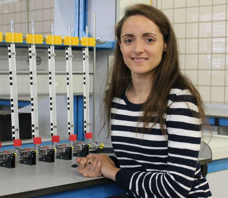 Universidad de Sevilla. Tesis sobre la influencia de la variabilidad de la radiación solar en el diseño y ubicación de centrales termosolares. Sara Moreno, investigadora.