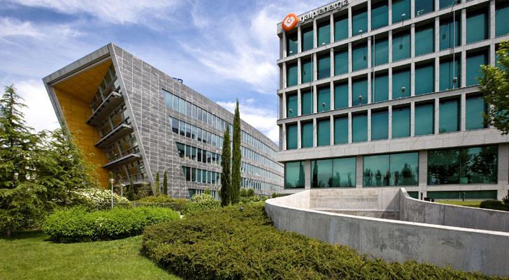 Galp es elegida como una de las empresas más sostenibles por el Índice Dow Jones de Sostenibilidad. Sede de Galp.