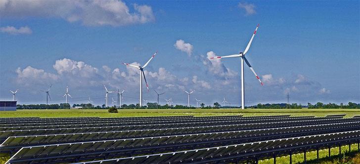 Asociaciones empresariales y organizaciones medioambientales reclaman al gobierno en funciones desbloquear las renovables. Parque eólico-fotovoltaico.