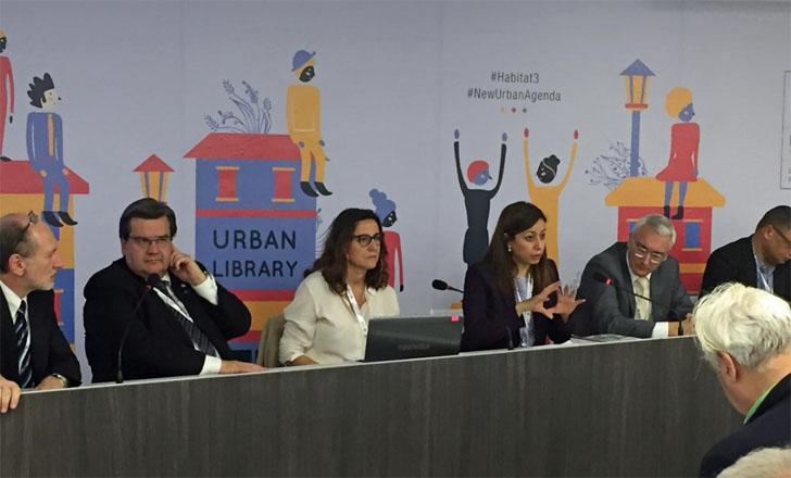 Diputación de Barcelona impulsa la energía solar analizando los tejados de la provincia con datos abiertos.
