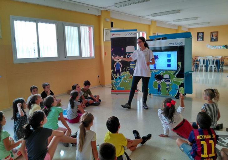 EndesaEduca lleva a cabo un taller itinerante llamado PlayEnergy para acercar a los escolares al mundo de la energía.