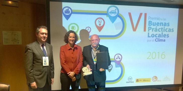 Ayuntamiento de Donostia recibe el Premio a las Buenas Prácticas Locales por el Clima por su Ordenanza Municipal de Eficiencia Energética y Calidad Ambiental en los Edificios.