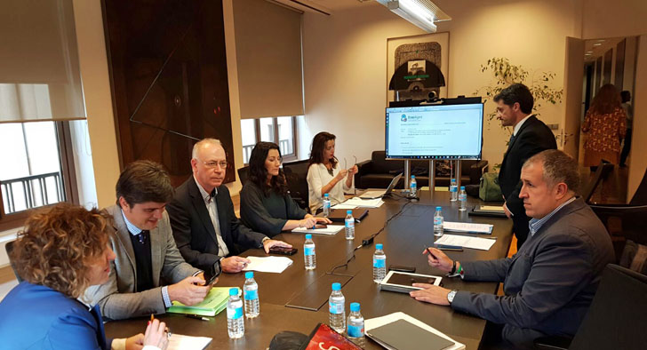 Ayuntamiento de Murcia participa en la Junta Directiva de EnerAgen, donde se diseña la estrategia para difundir el desarrollo de las energías renovables y apoyar las instalaciones de autoconsumo fotovoltaico.