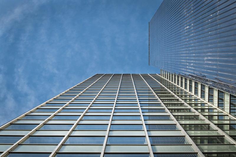 Fachada de edificio de oficinas.