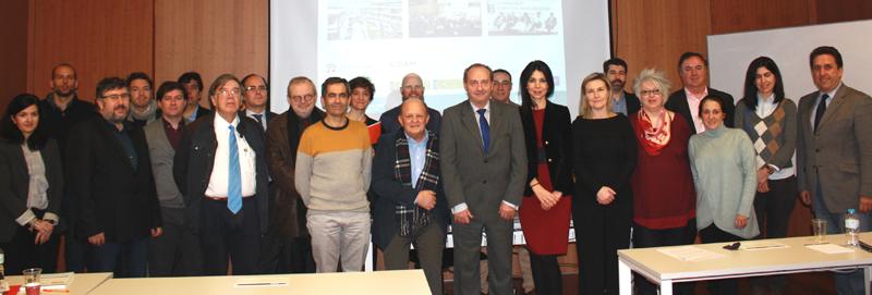 Miembros del Comité Técnico del III Congreso Edificios Inteligentes, tras la celebración de su primera reunión.