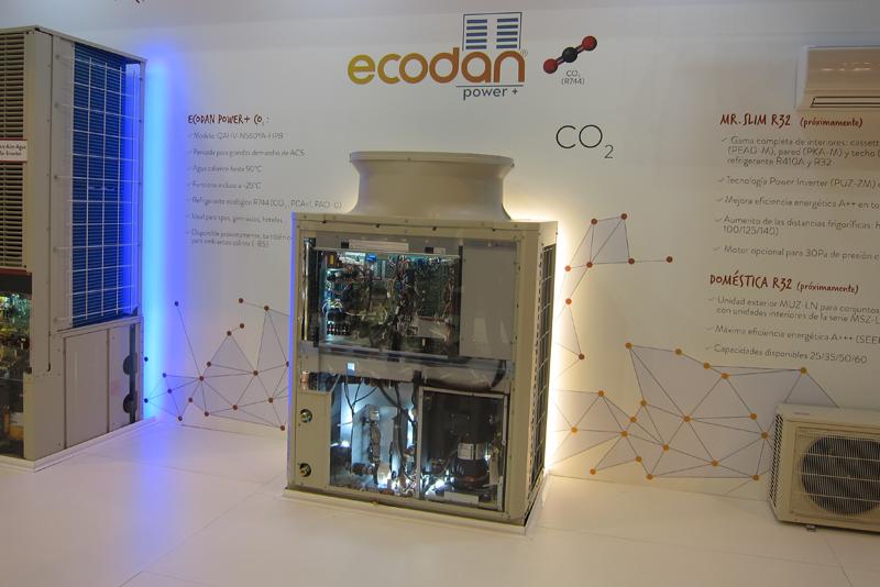 Stand de Mitsubishi Electric en Climatización y Refrigeración 2017, donde se presentón la unidad Ecodan Power +.