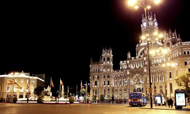 Madrid, España. Fachada Ayuntamiento. Nocturno. Plaza Cibeles.