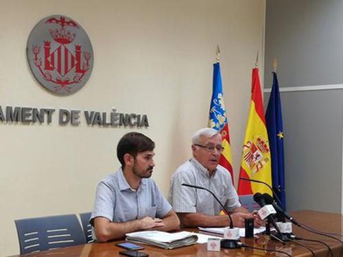 Rueda de prensa en el ayuntamiento de Valencia para presentar el nuevo contrato de suministro eléctrico.