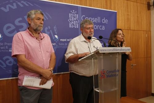 Joan Font y Joan Manera durante la presentación de la nueva línea de subvenciones para los ayuntamientos de Mallorca.