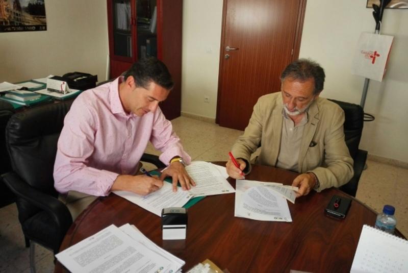 Instantánea del acto de firma del acuerdo entre Agenex y Redex.