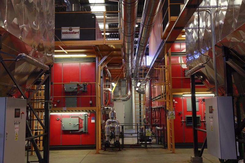 Calderas de biomasa Uniconfort empleadas en la planta térmica de biomasa de Móstoles Ecoenergía.