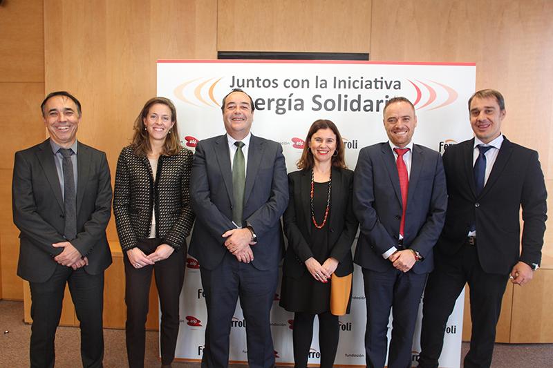 Participantes en la firma del acuerdo de Ferroli y Fundación EDP para el programa Energía Solidaria.