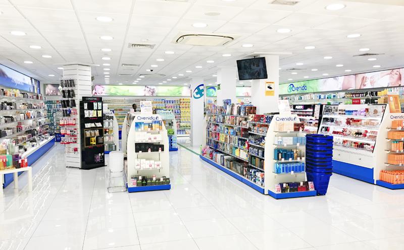 Interior de una tienda de Perfumerías Avenida.
