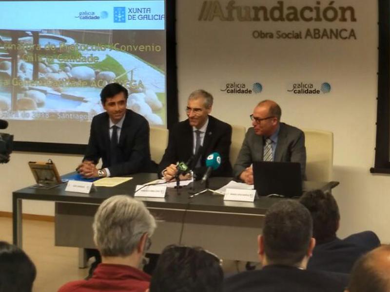 Acluxega. Firma del convenio de colaboración con Galicia Calidades.