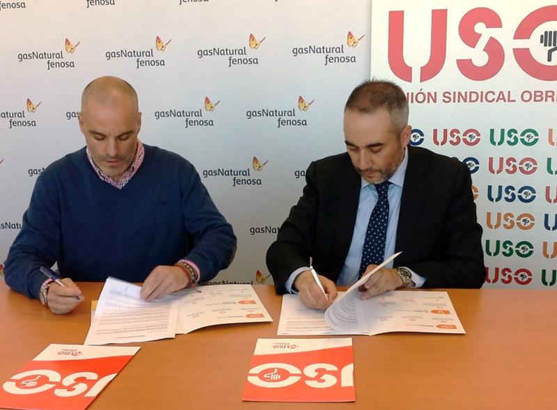 El secretario regional de la Federación de Enseñanza de USO,Lorenzo Lasa, yel delegado para Castilla y León de Gas Natural Servicios,José Manuel Toral.