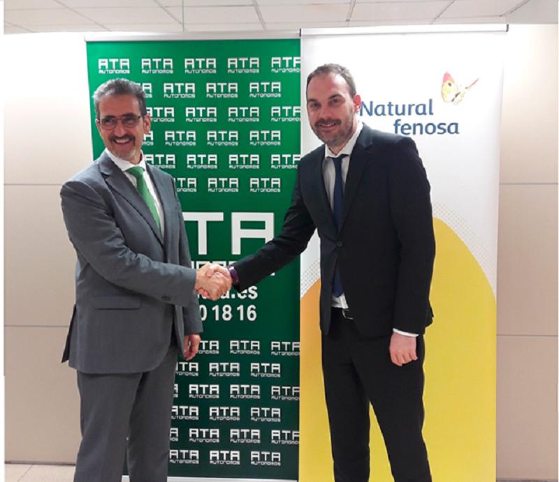 Firma del acuerdo entre Gas Natural Servicios y ATA Navarra.