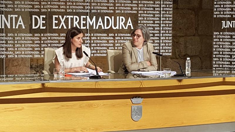 Presentación en rueda de prensa de las ayudas a la eficiencia energética y las instalaciones de energías renovables de Extremadura.