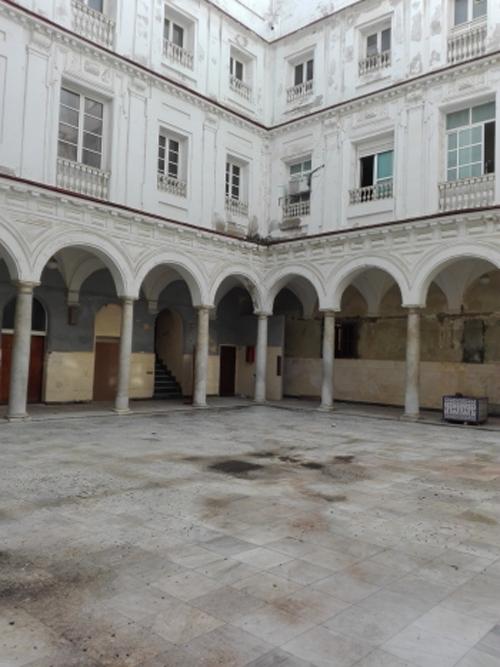 Claustro de un edificio público de Andalucía.