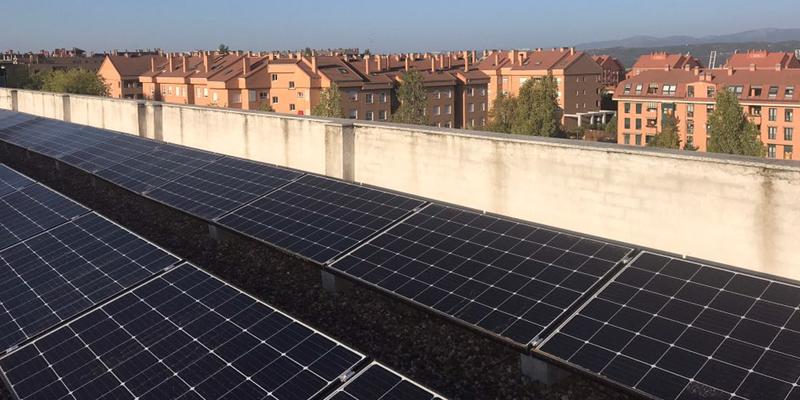 ecooo pone en marcha la instalación de una planta fotovoltaica en la sede de Triodos Bank con una potencia de 24,6 kWp.