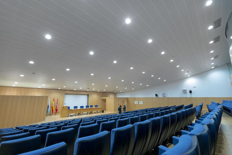 Iluminación interior de la Universidad Rey Juan Carlos.
