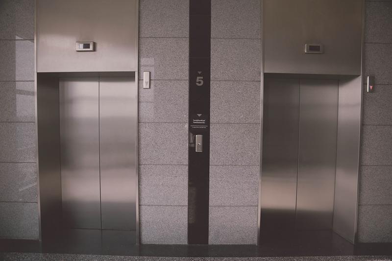 La Generalitat Valenciana licita el cambio de iluminación en seis ascensores del TRAM d'Alacant por valor de 90.500 euros