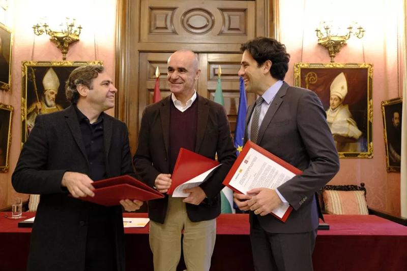 El Ayuntamiento de Sevilla y el COAAT firman un convenio para impulsar la eficiencia energética.